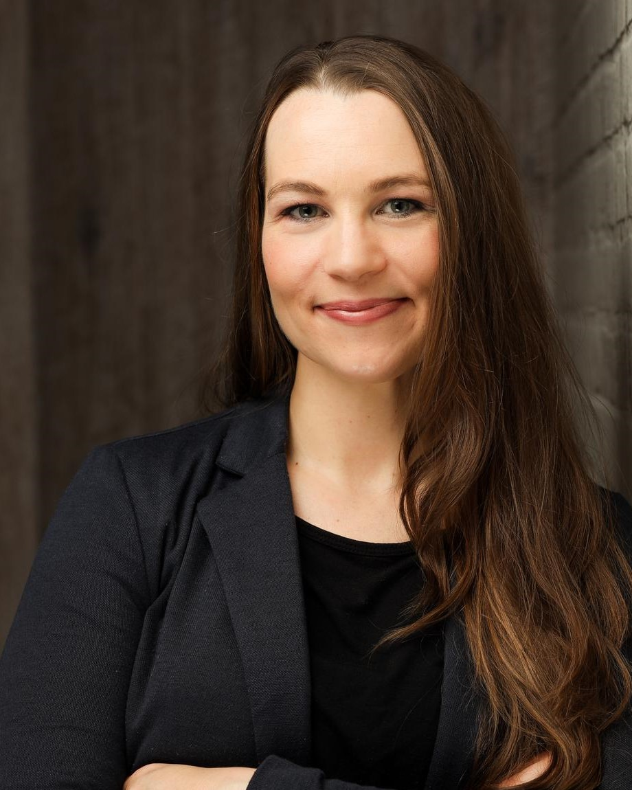 Jennifer Schmitz - Hochkant.jpg